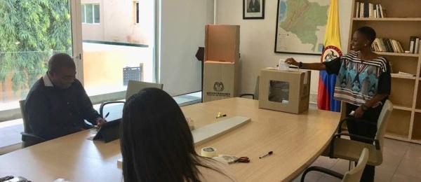 La Apertura de la segunda vuelta presidencial en el Consulado de Colombia en Acra